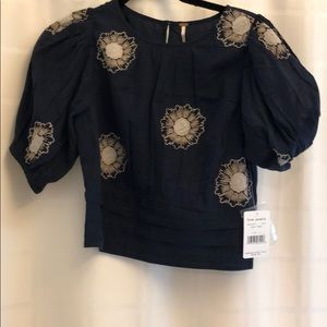 NAVY FREE PEOPLE TOP WITH FLORAL DESIGN